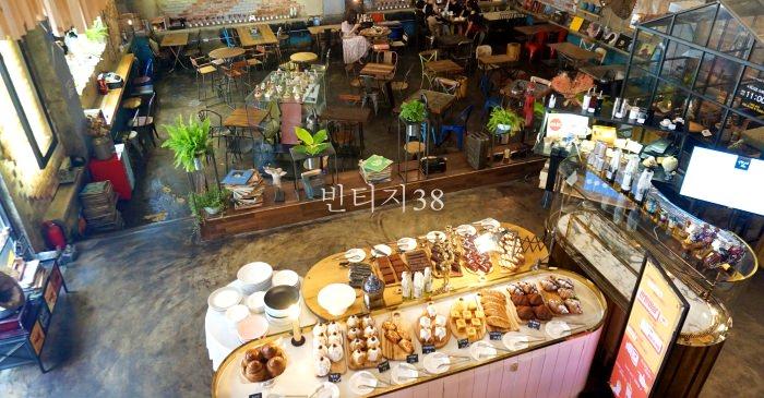 釜山西面咖啡廳|24小時營業復古工業風빈티지38,超美超好拍!