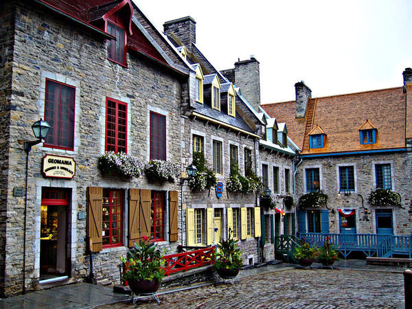 Quebec_City_old_town_by_ilpavone2004